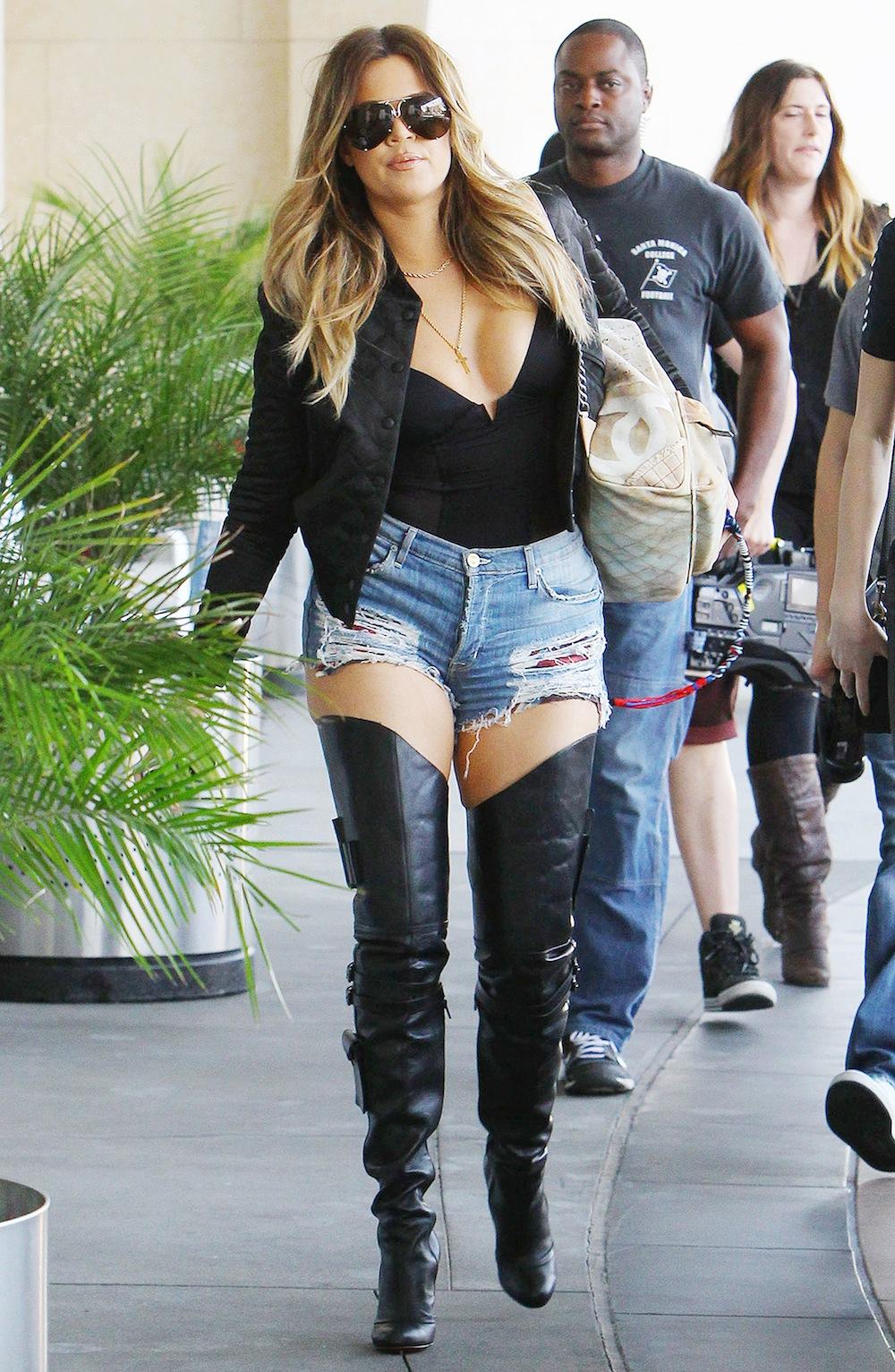 Skinny Minny! Khloé Kardashian Flaunts Weight Loss, Gets ...