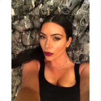 kim-kardashian-instagram-selfie-1
