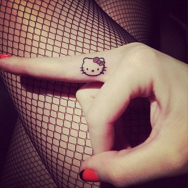 katy perry hello kitty