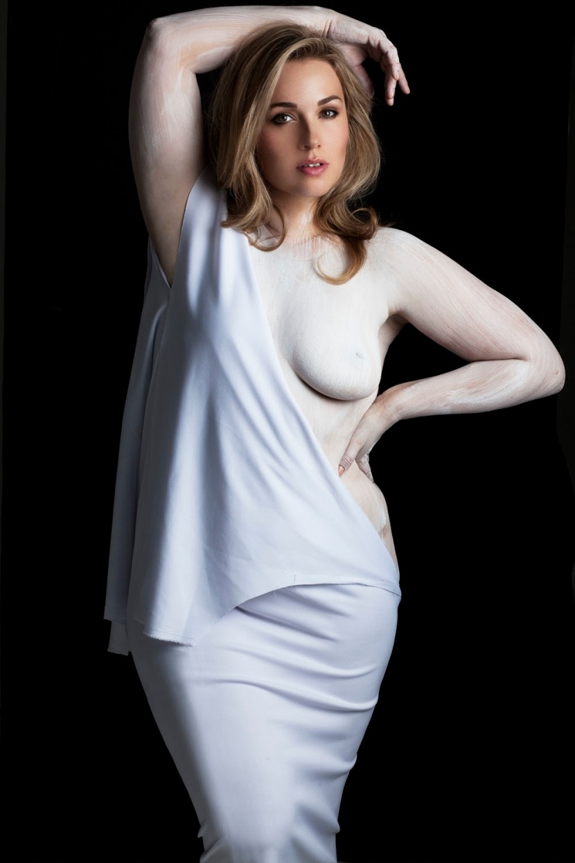 Plus-Size Models Pose Nude to Change Peoples Perception