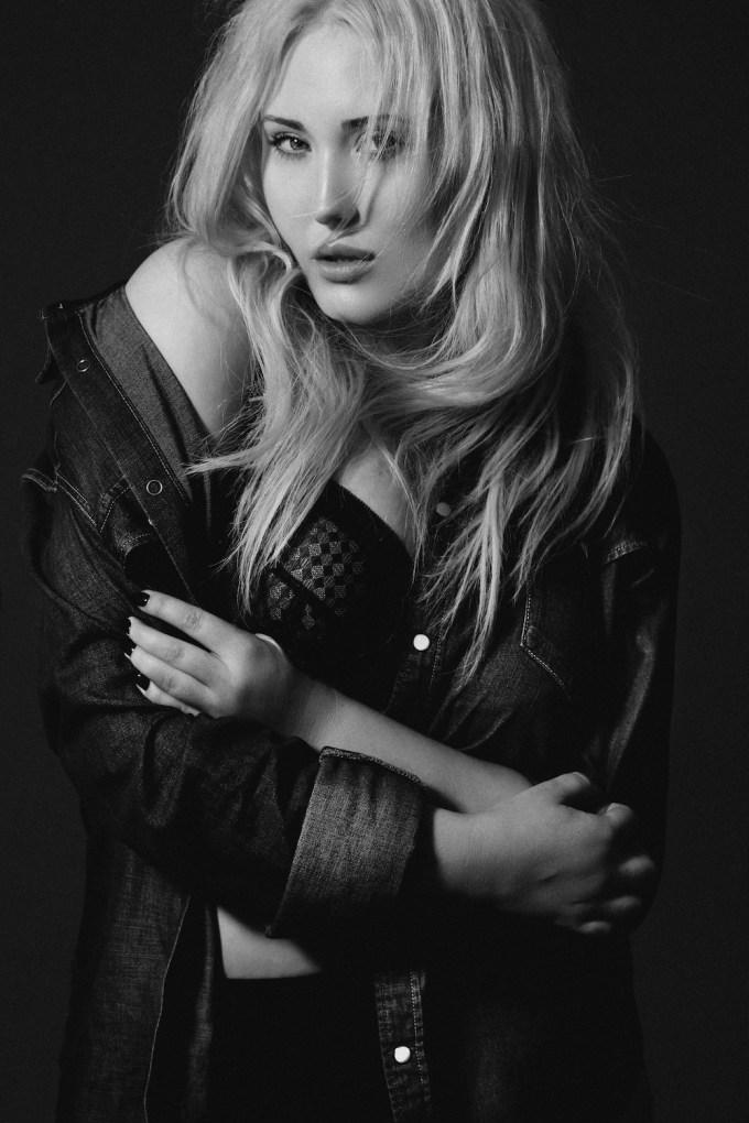 Hasselhoff nackt Hayley  Curvy Model