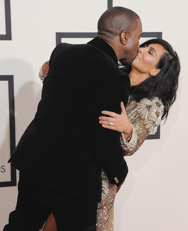 Kanye West Tweets Nude Photos of Wife Kim Kardashian