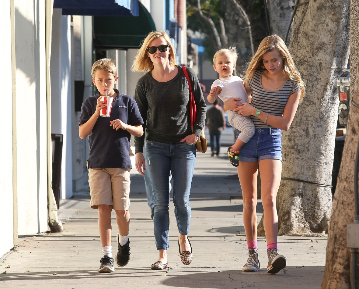 reese witherspoon and her three children