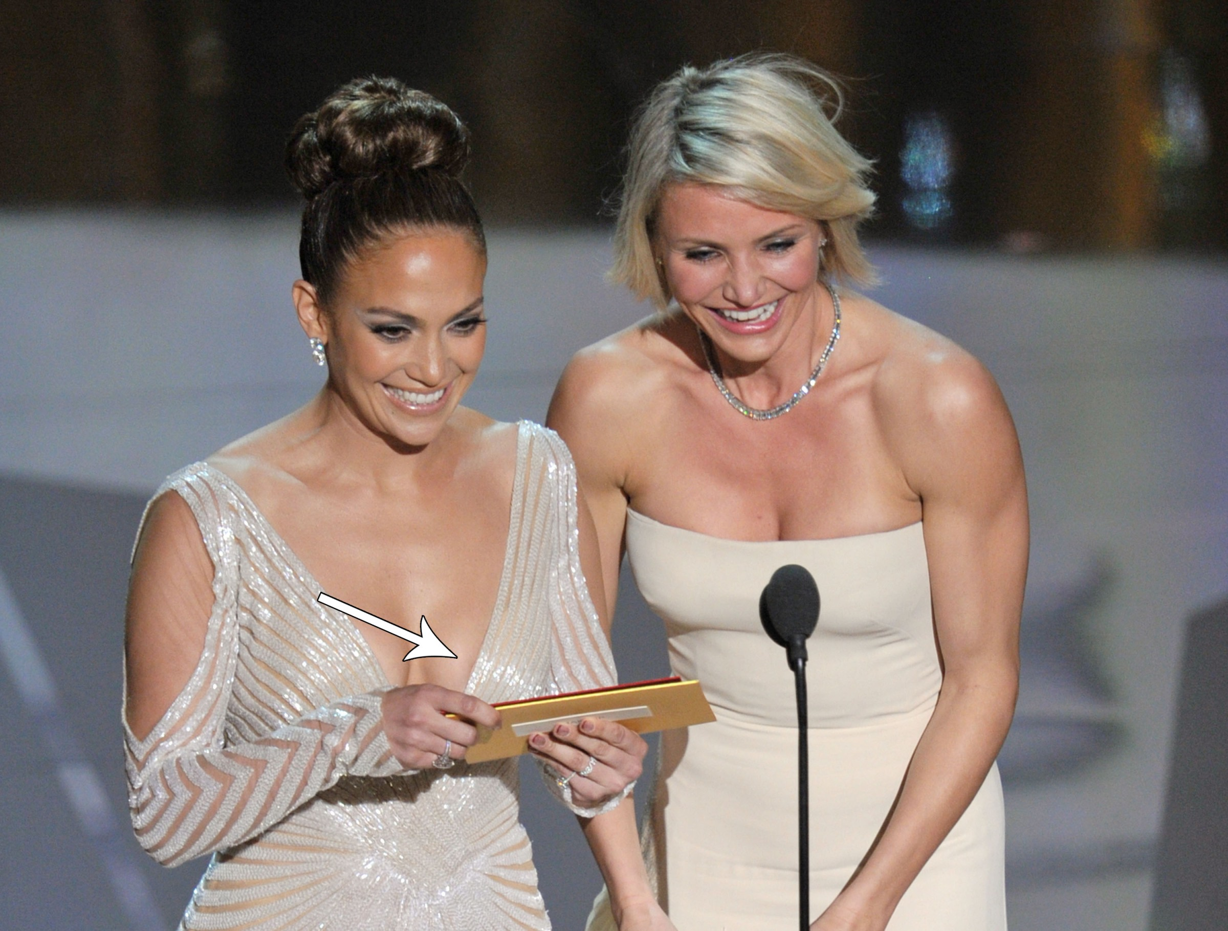 Did Jennifer Lopez Have a Wardrobe Malfunction at the Oscars?