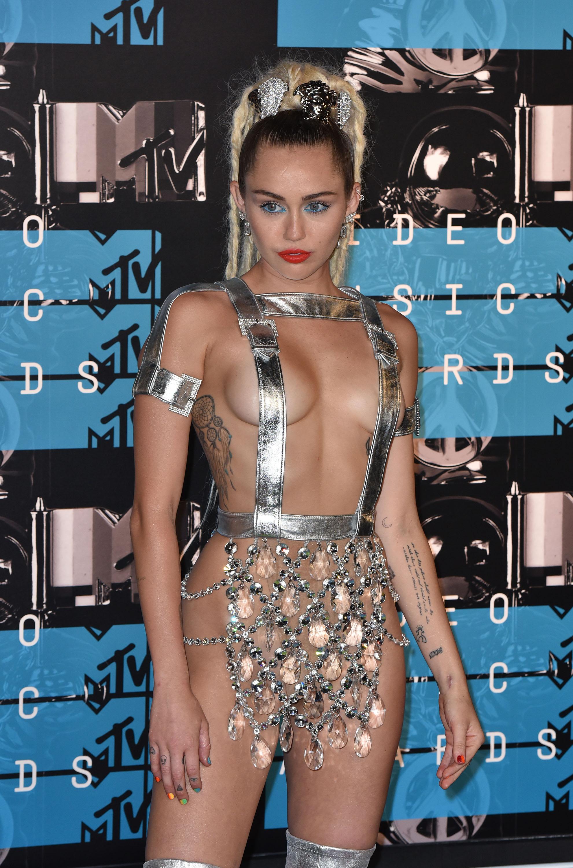 MORE: Miley Cyrus Shows Underboob In Big Sean's New Video