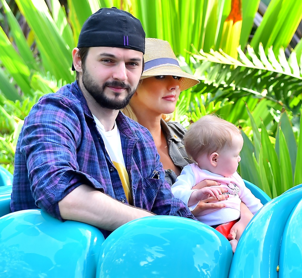 christina aguilera matt rutler splash