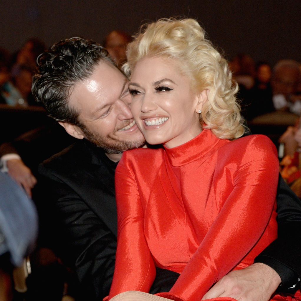 Gwen Stefani Blake Shelton you make it feel like christmas