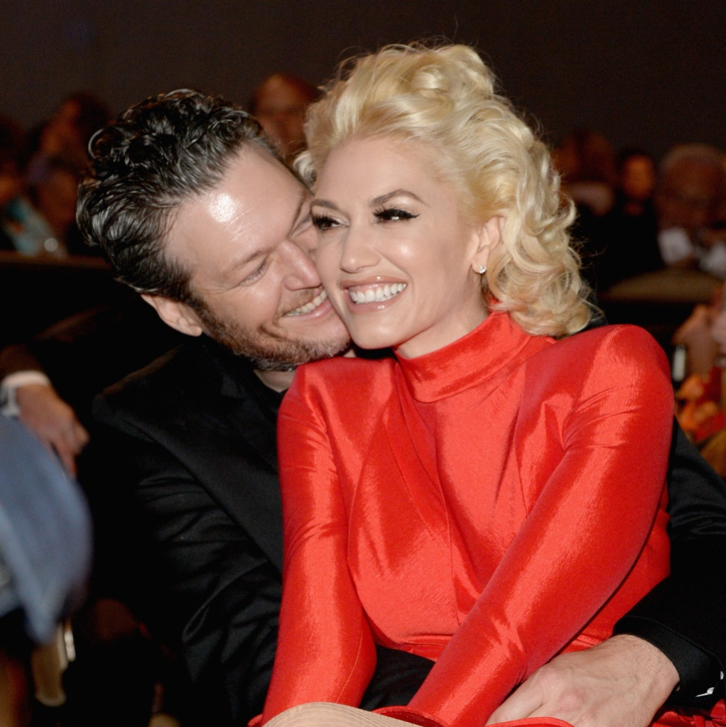 Gwen Stefani Blake Shelton you make it feel like christmas