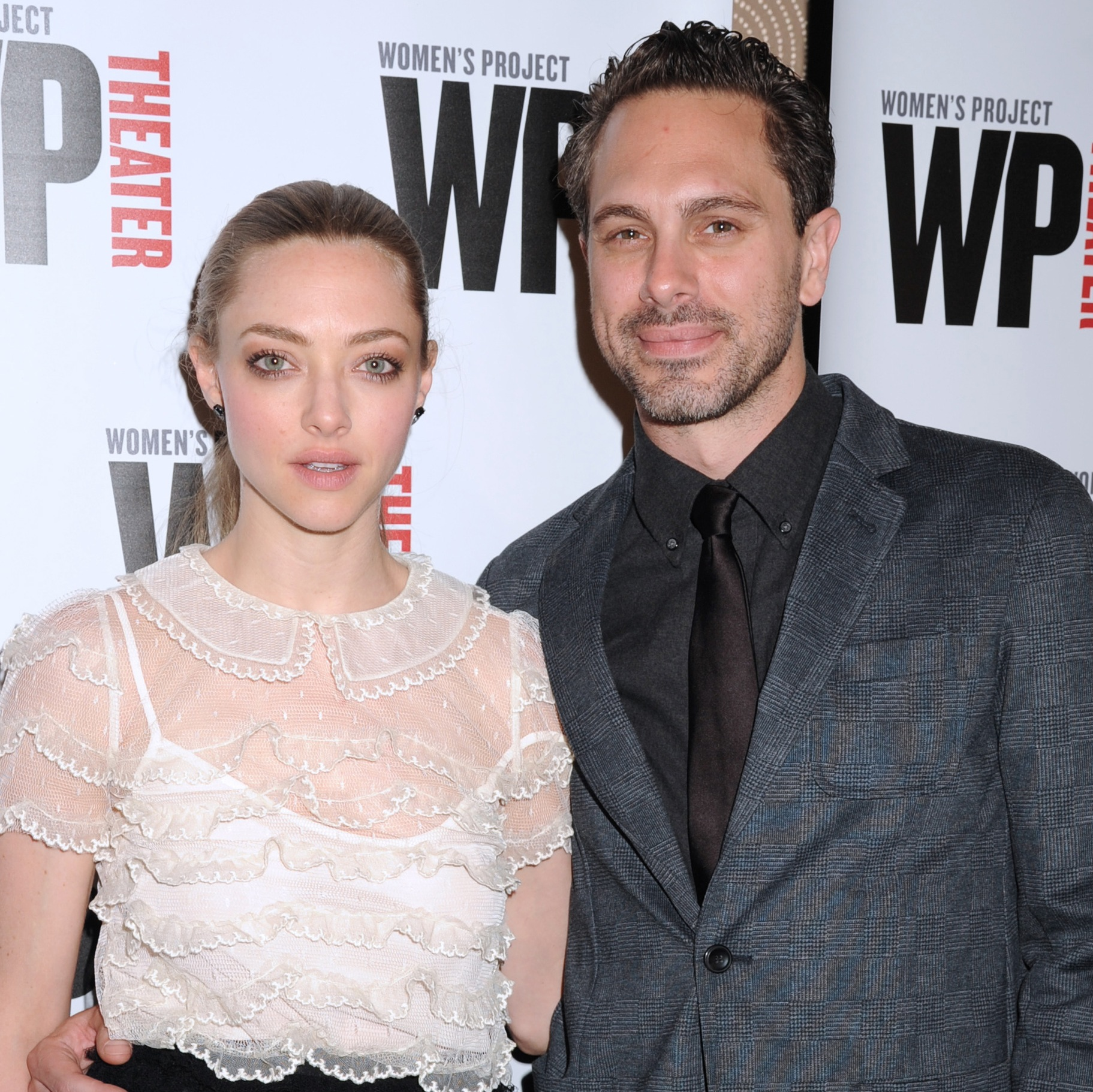 Amanda Seyfried Engaged to Boyfriend of 6 Months Thomas ...