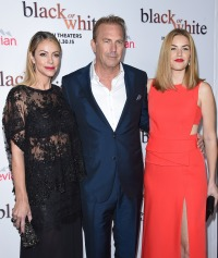 kevin-costner-wife-daughter