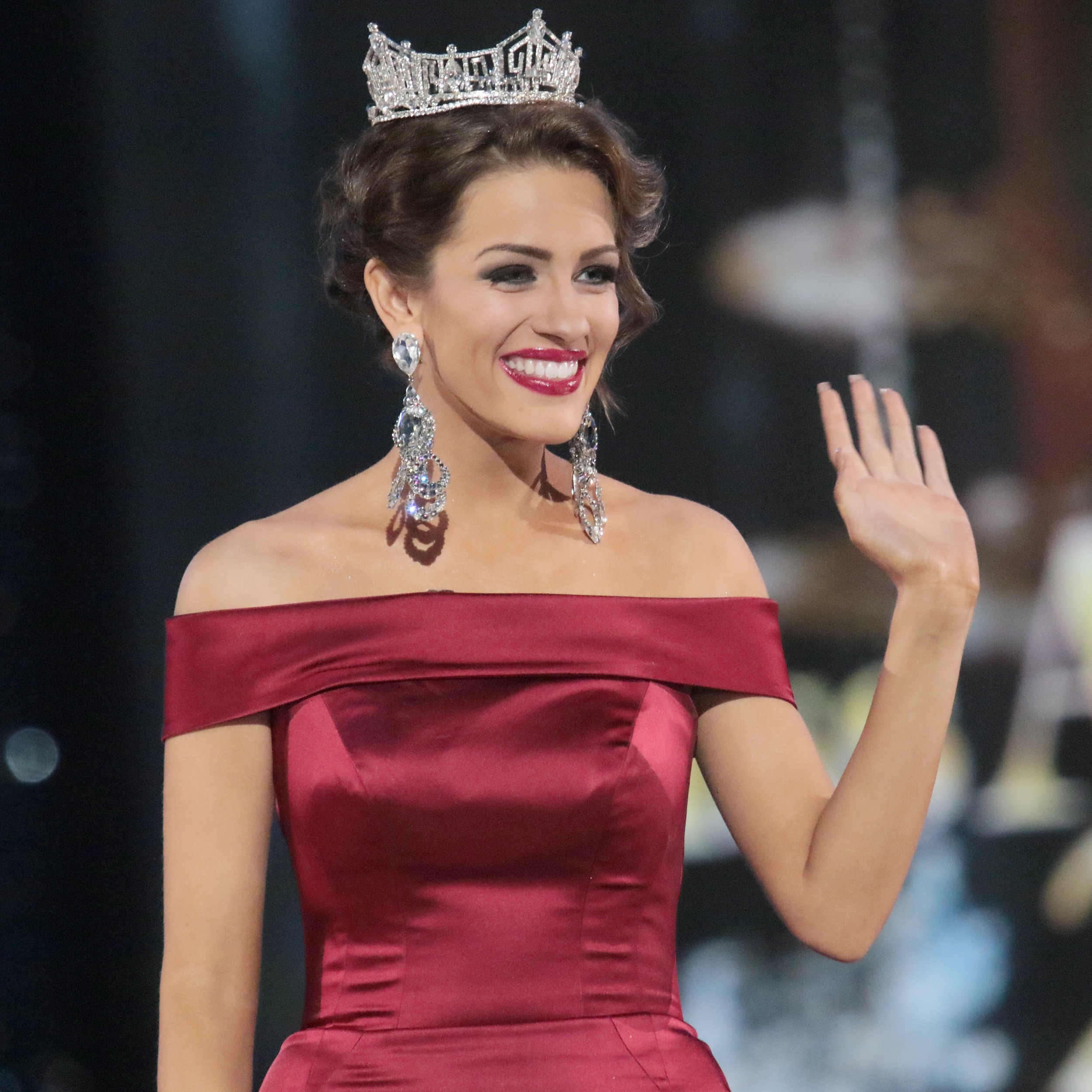 Miss America 2016 Betty Cantrell is Engaged! - Life & Style