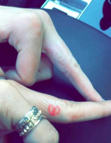 kendall jenner tattoo with best friend hailey baldwin
