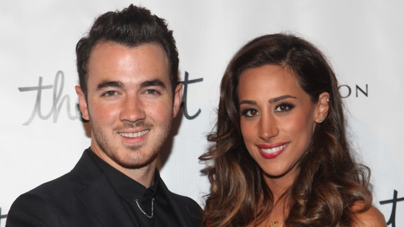Kevin And Danielle Jonas Welcome A Baby Girl Find Out Her