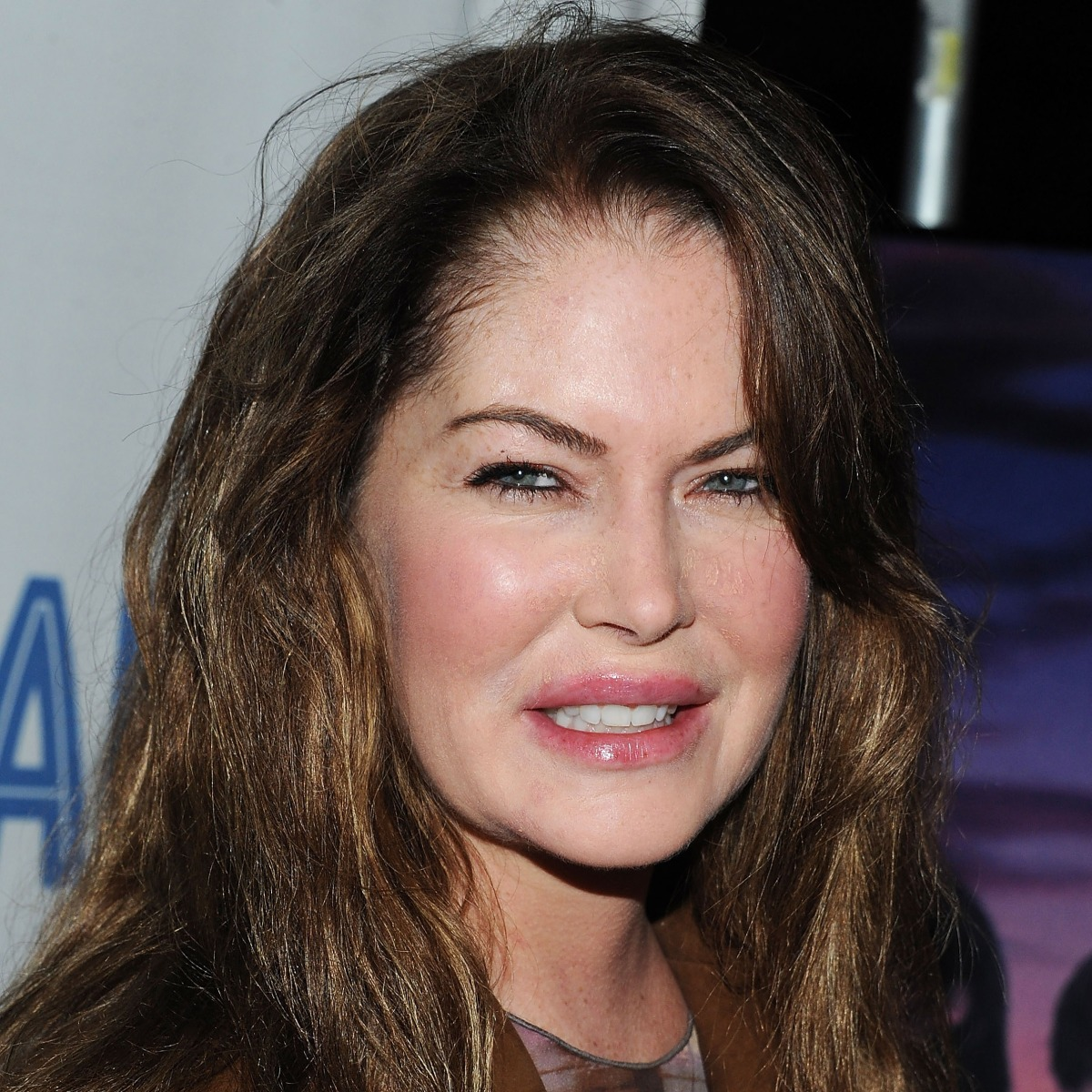 13+ Amazing Pictures of Lara Flynn Boyle - Nayra Gallery