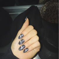 kylie-jenner-nails-3-2