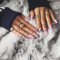 kylie-jenner-nails-9