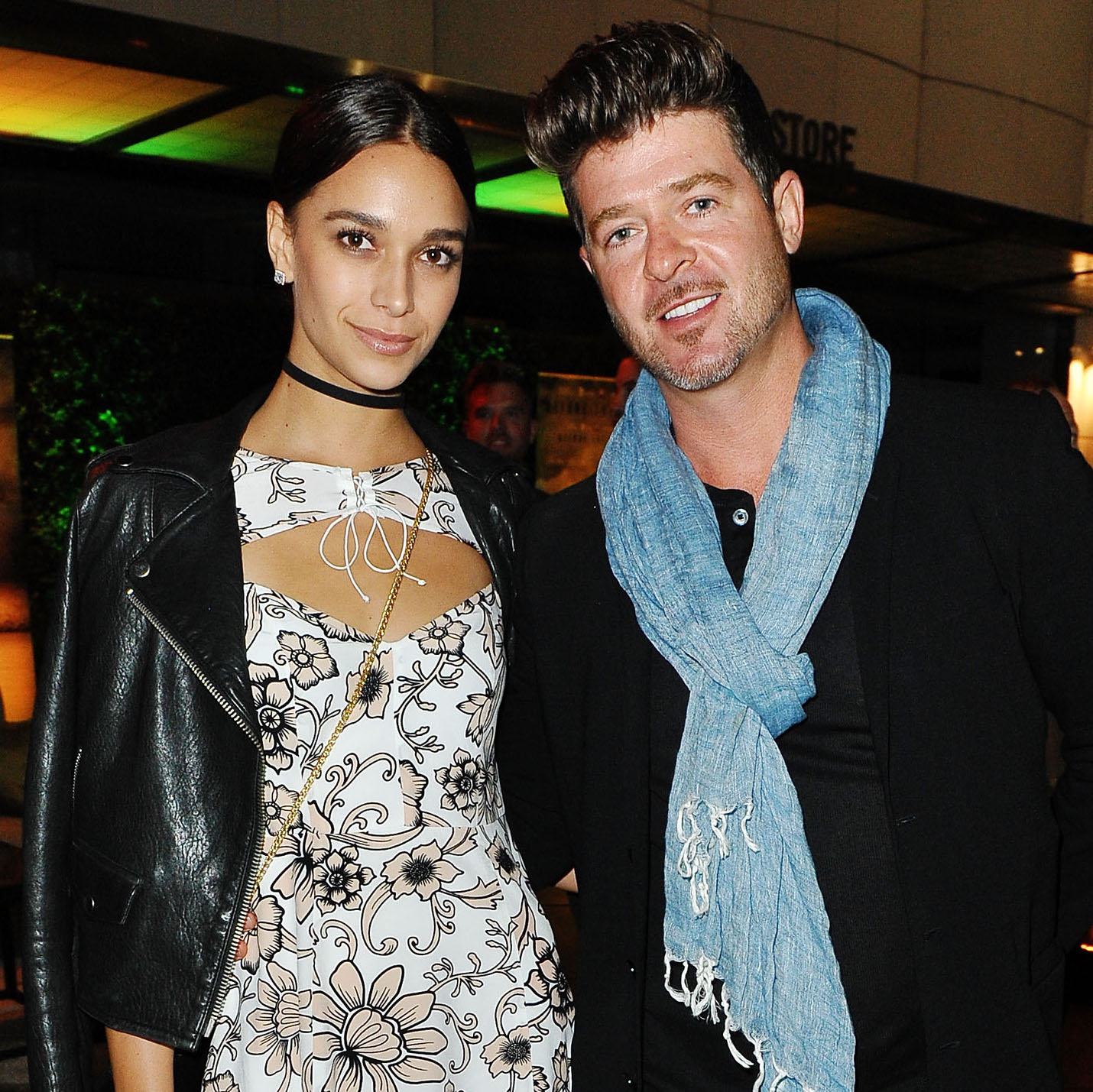 Robin Thicke Posts Naked Photos of Himself and Girlfriend