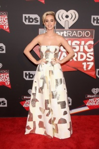 iheart-radio-music-awards-red-carpet-katy-perry