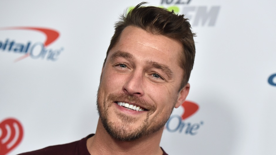 Bachelor Chris Soules Smiles in Maroon Henley Top