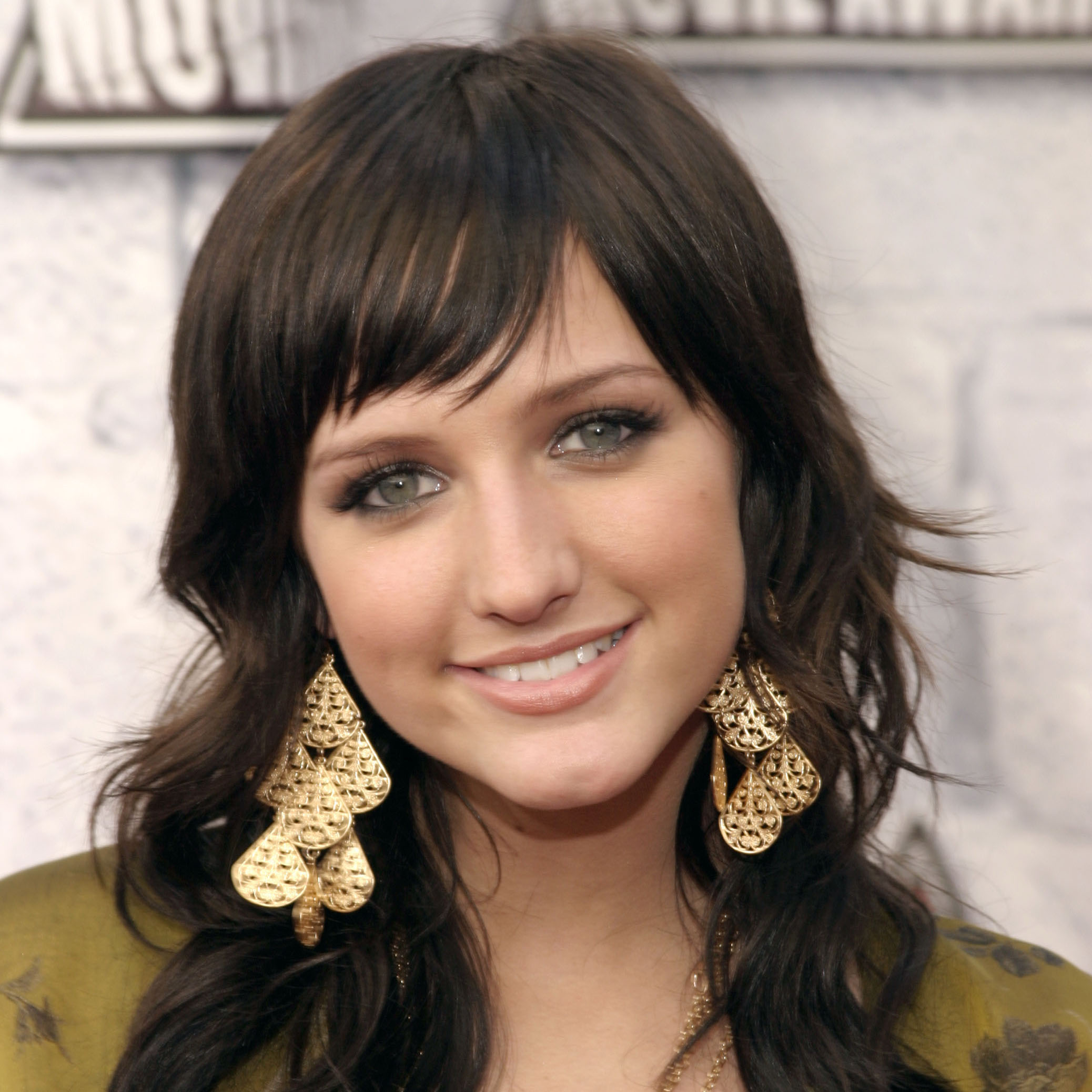 Watch Ashlee Simpson Plastic Surgery – Are All The Rumors True video