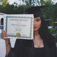 kylie-jenner-graduation