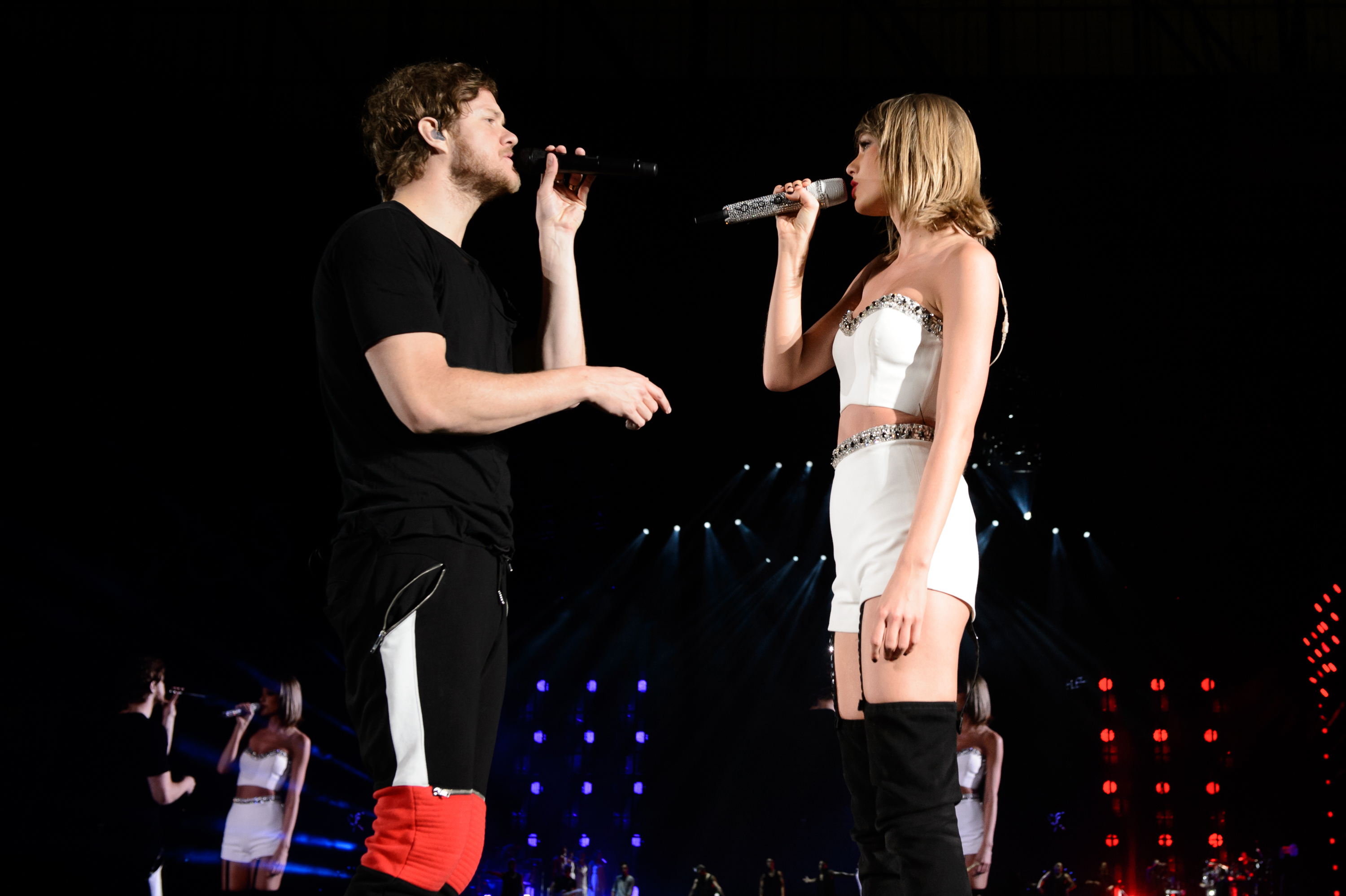 Taylor Swift Sparks Butt Job Rumors See The Bootylicious Pics