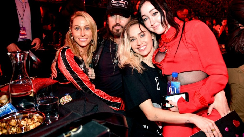 miley-cyrus-family