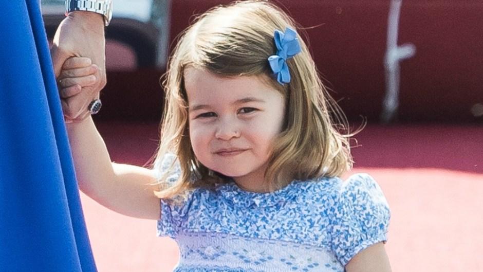 princess-charlotte-curtsy