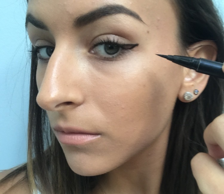 how to do winged eyeliner 4