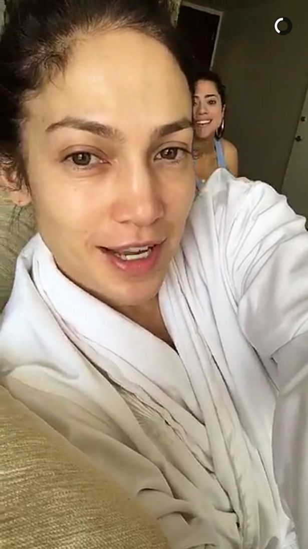 Jennifer Lopez Without Makeup All The Times The Singer Has Gone - Jlo-makeup