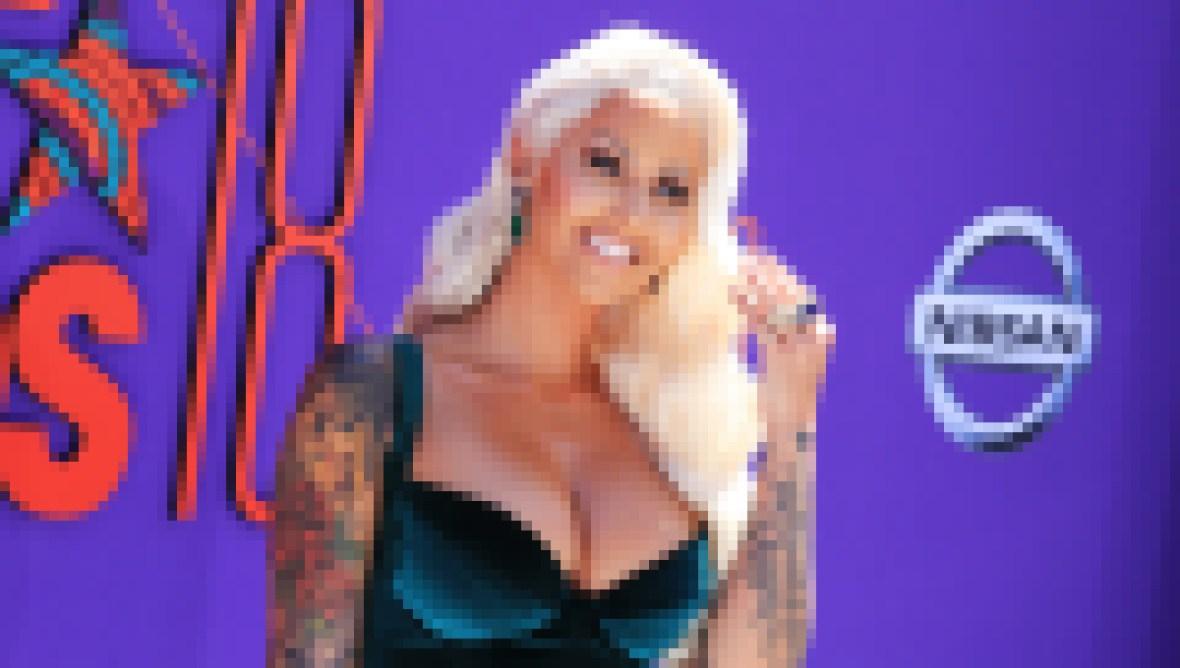 Amber Rose Blonde Hair Green Velvet Dress How Did Amber Rose Get Famous