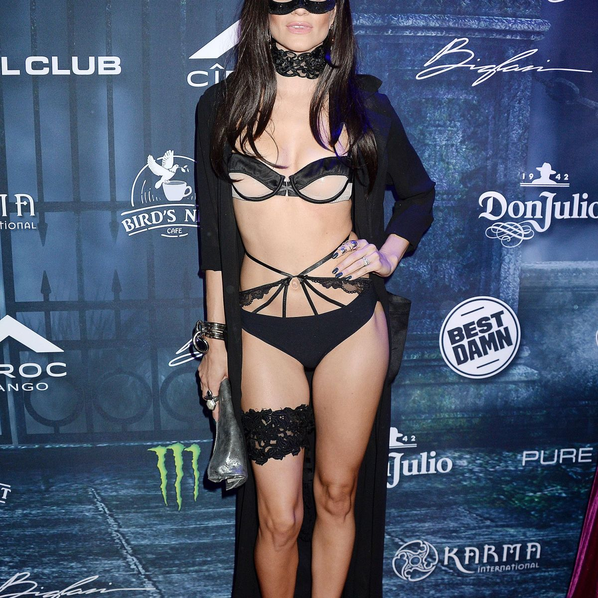 "16 Celebrities Who Were Like ""F–k It, I'll Go Naked"" for Halloween"