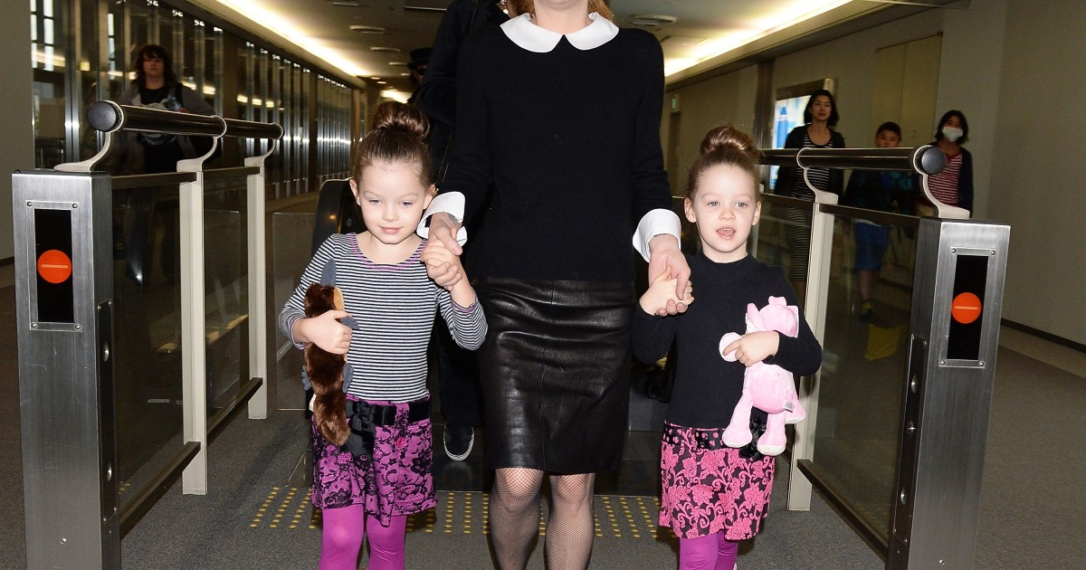 Lisa Marie Presley Gets Twin Daughters in Her Custody After