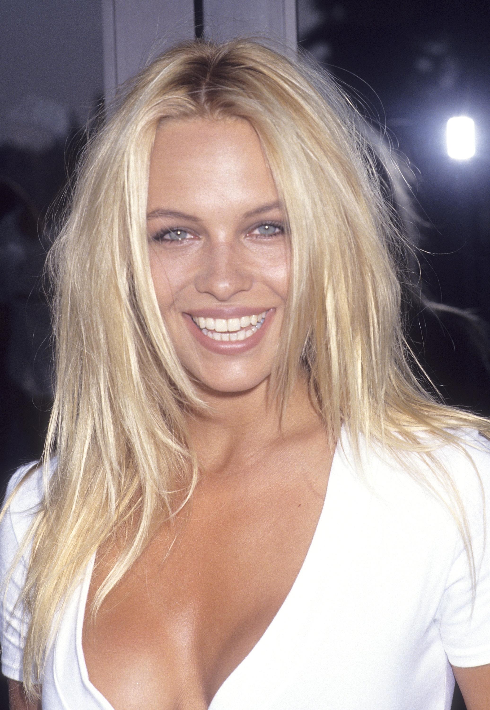Pamela Anderson Nude Photos 30