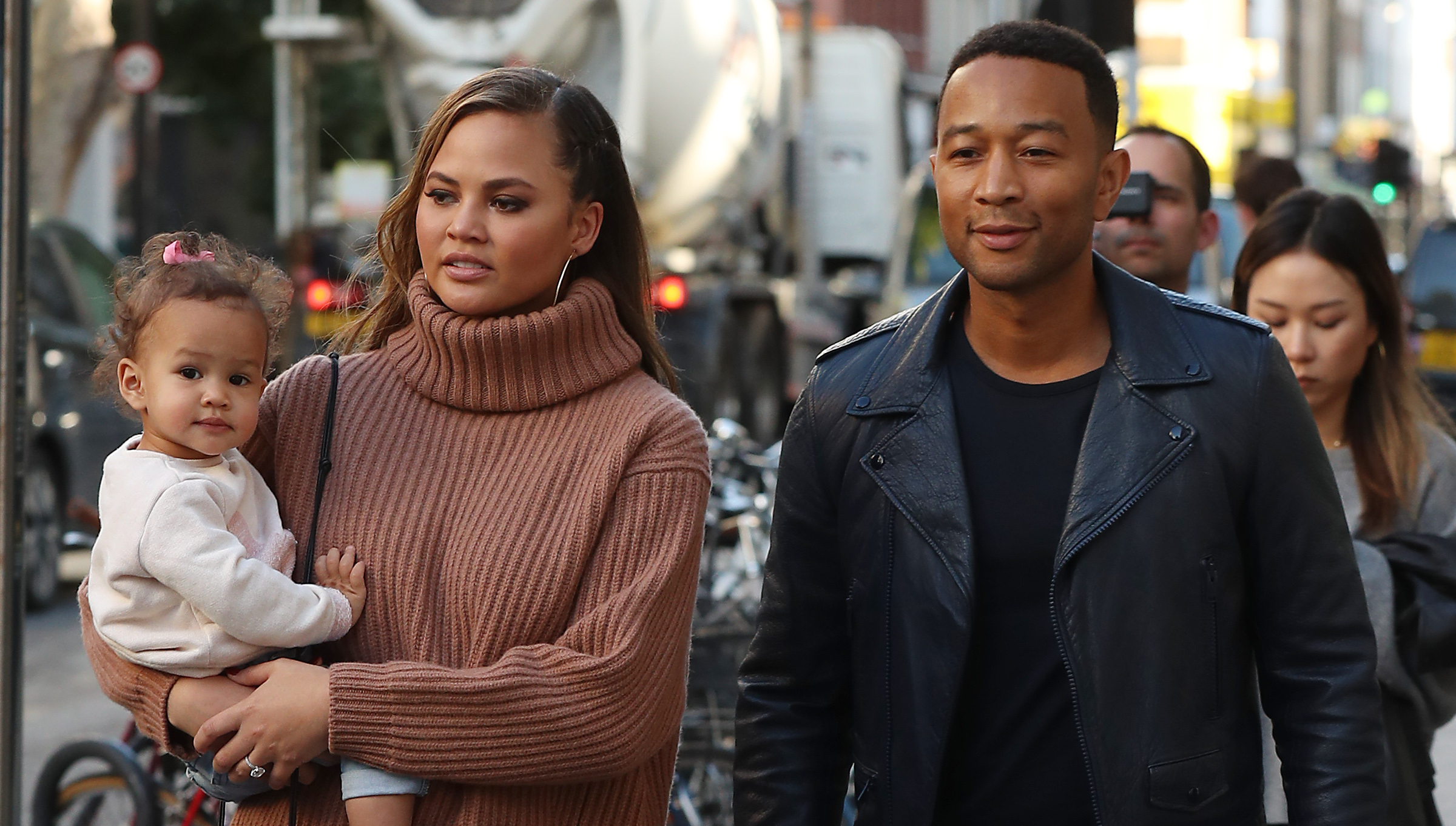 86d0e62f7ad74 Chrissy Teigen and John Legend Announce They're Expecting Baby No. 2!