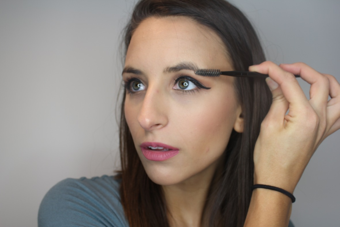 how to do your eyebrows at home 1