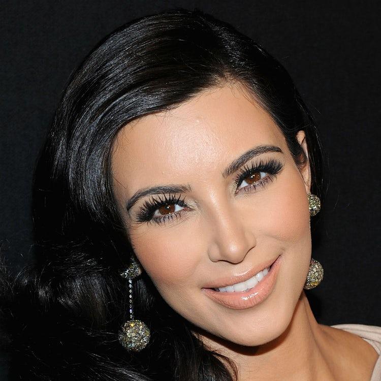 kim kardashian face 2011