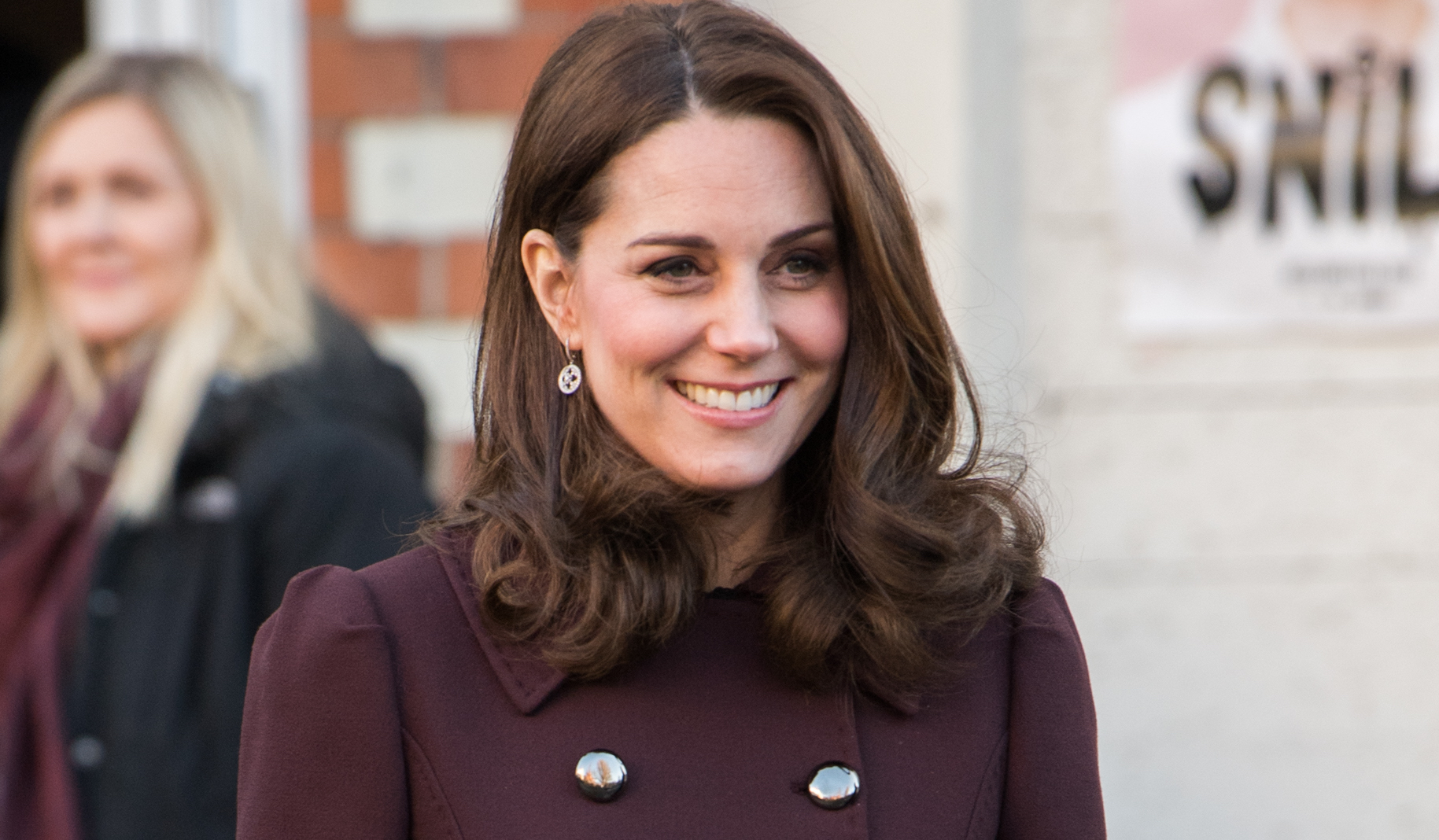 Kate Middleton's Home Birth: The Royal Will Deliver Twins at the Palace