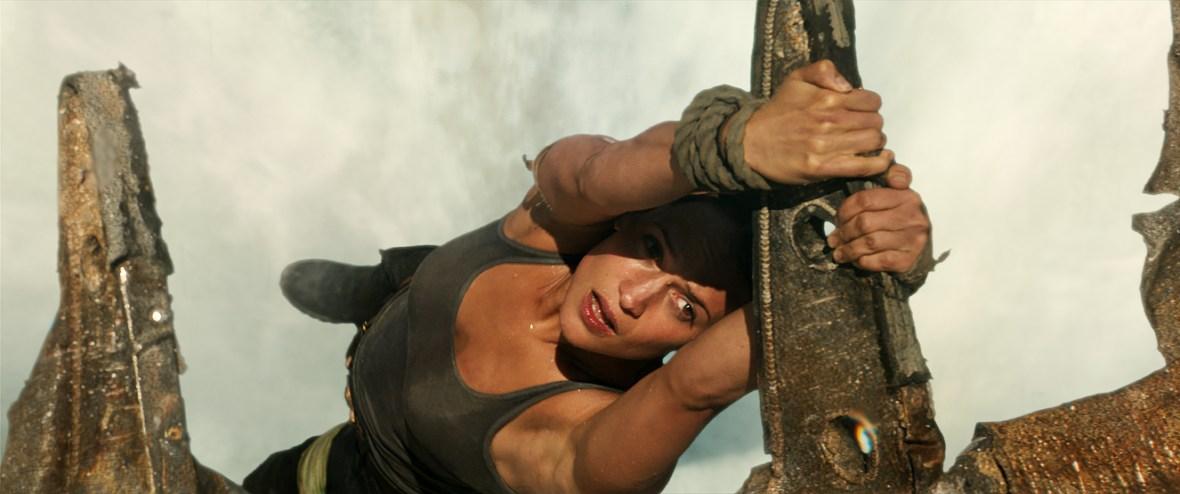 alicia vikander - tomb raider stunts 1