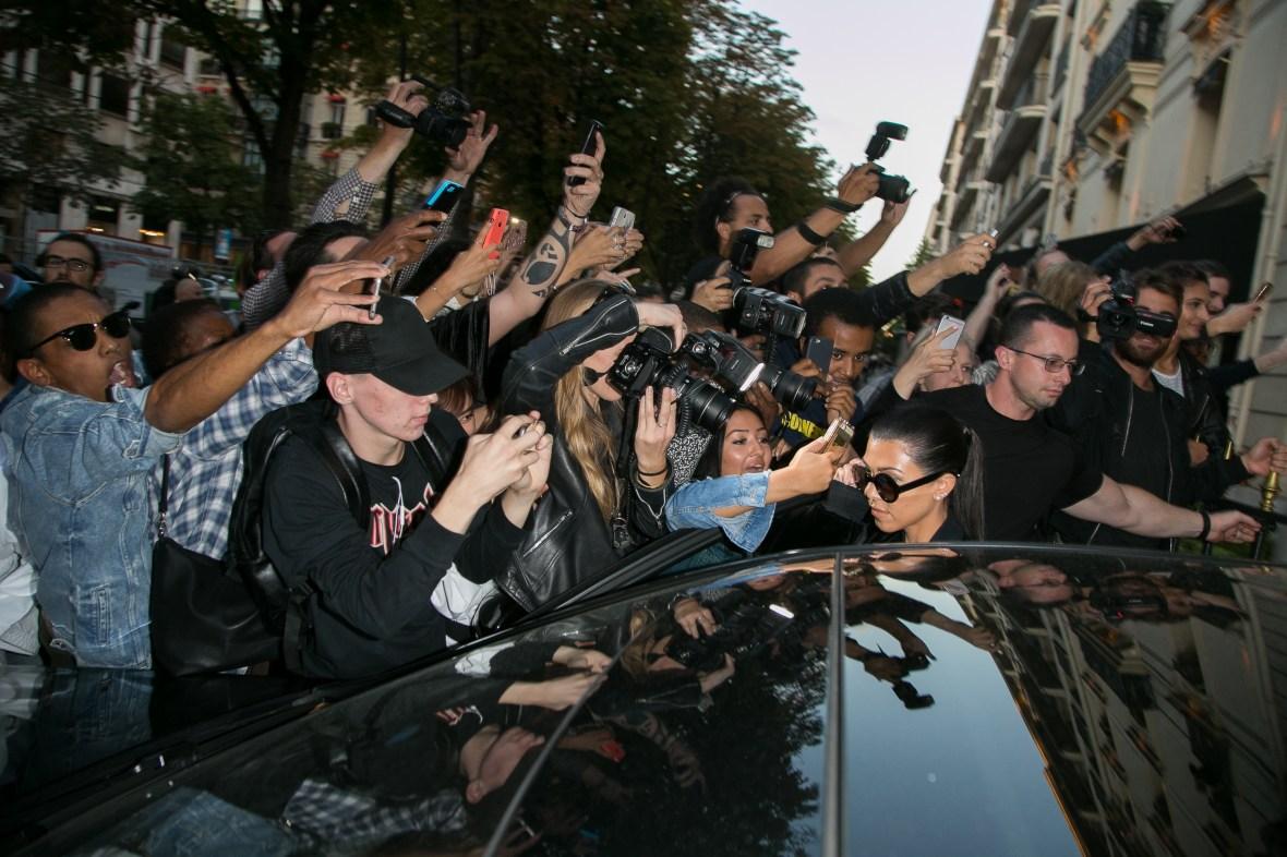 kourtney kardashian mob