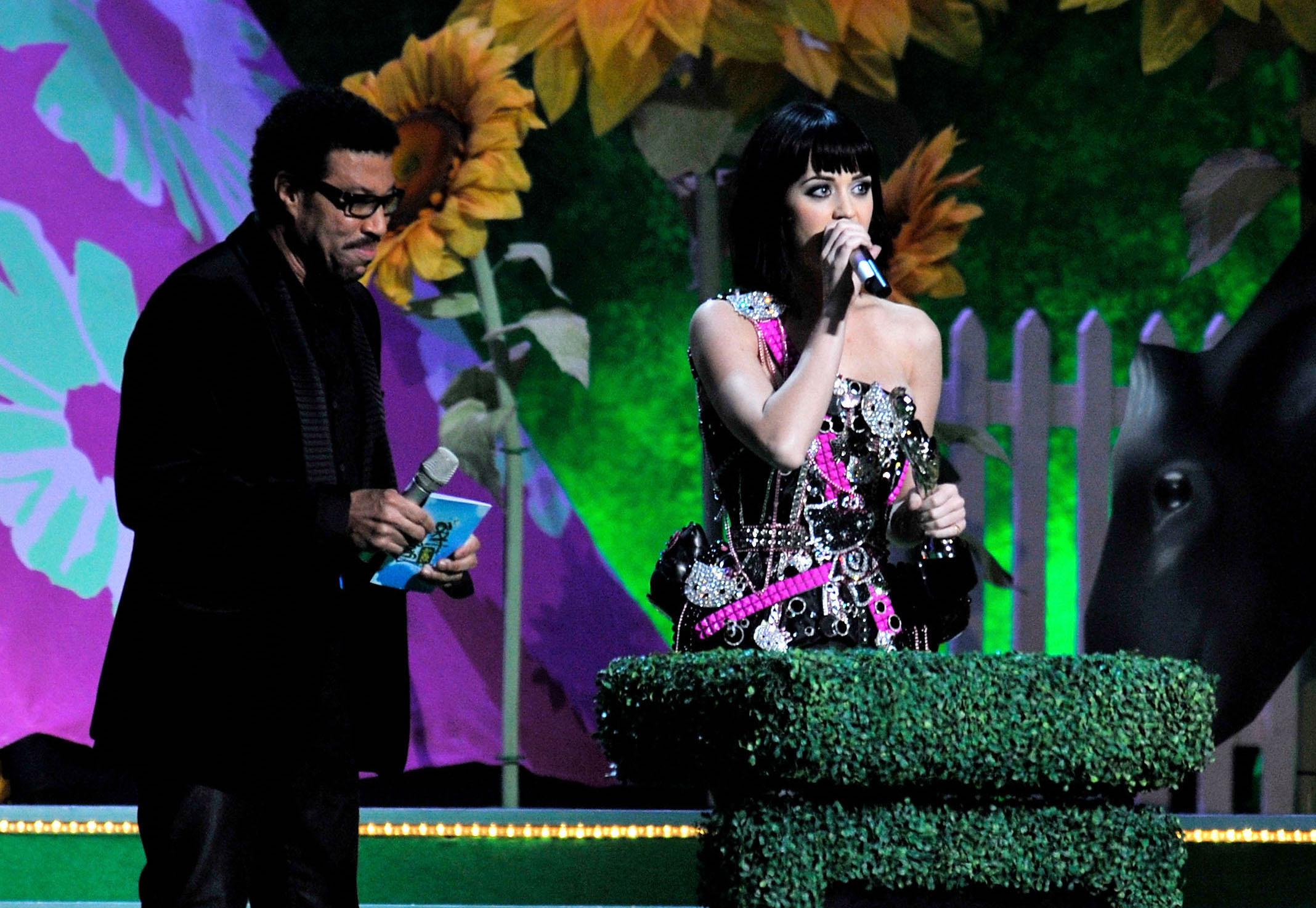 lionel-richie-katy-perry-brit-awards-2009