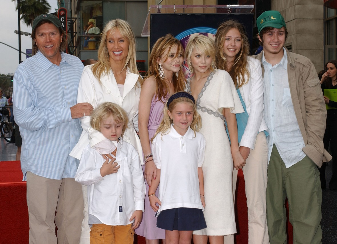 mary-kate and ashley family