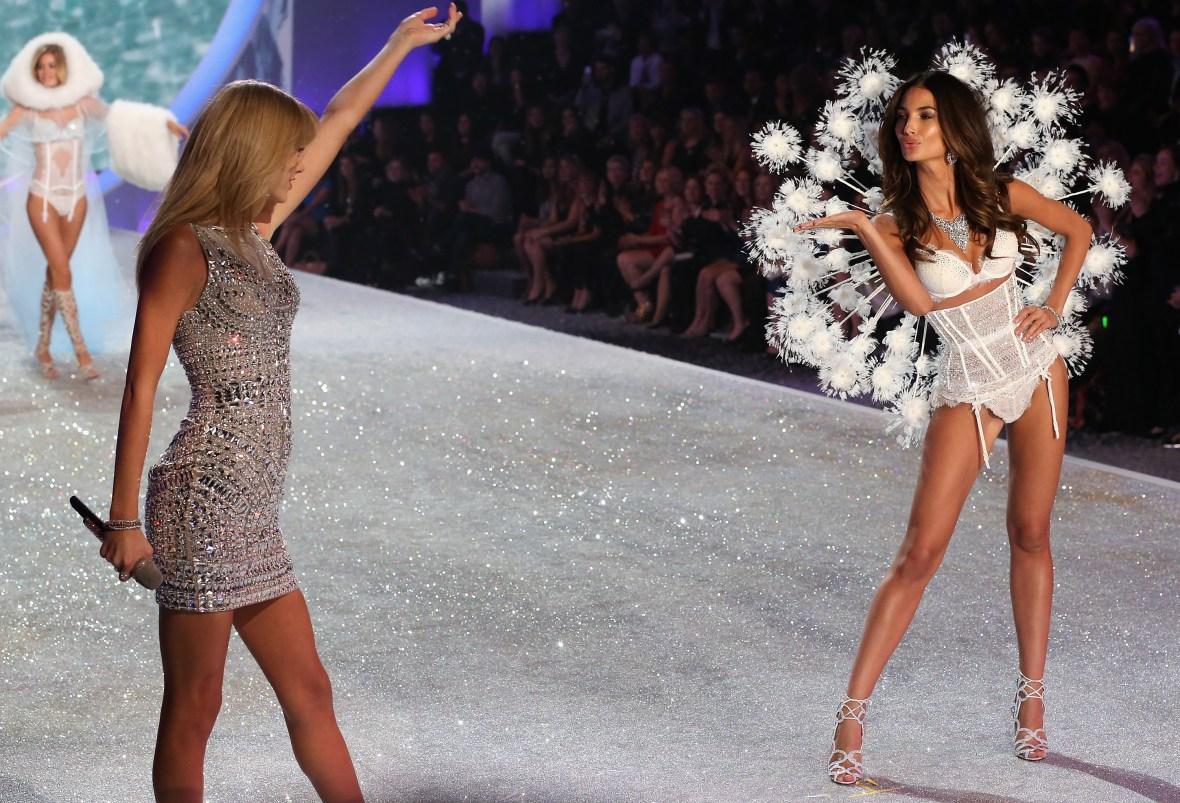 taylor swift vs fashion show 2013 getty