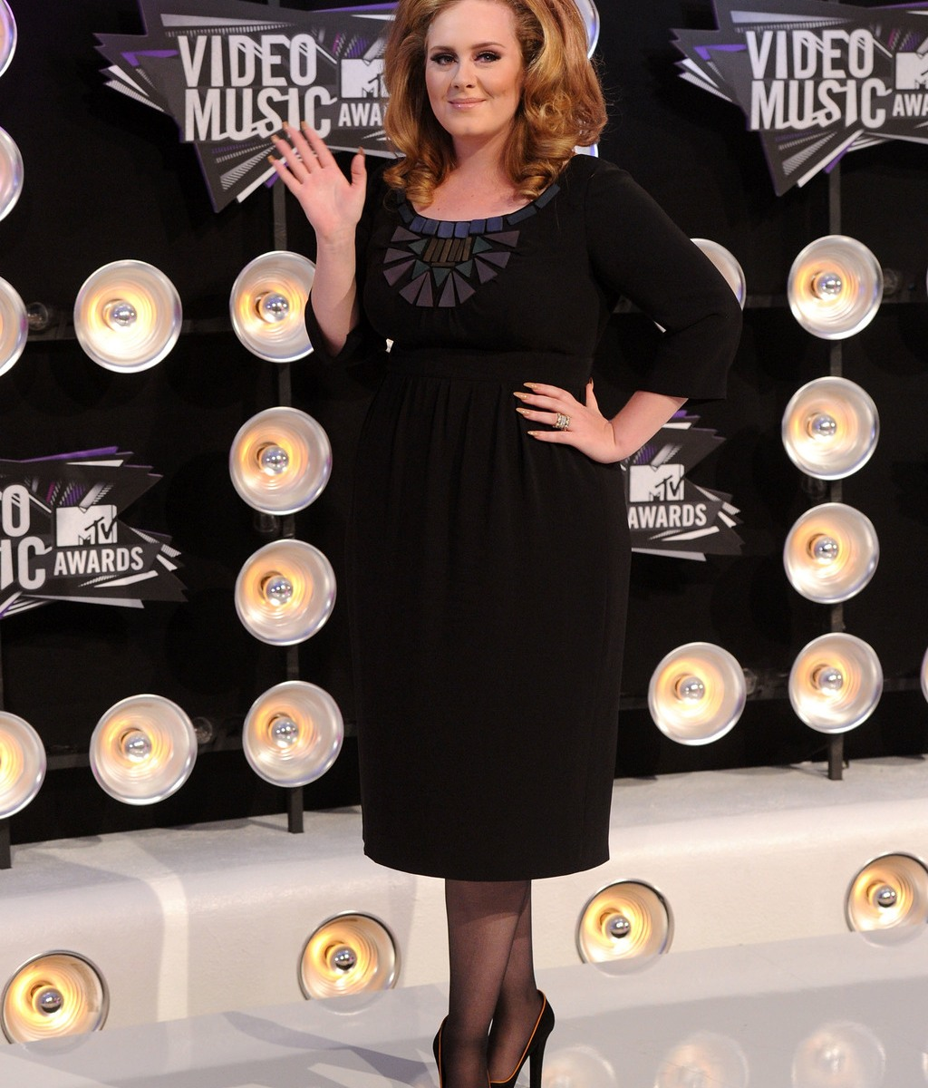 Adele Weight Loss — See Before and After Photos of Her