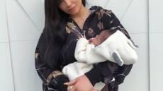 kylie-jenner-stormi-baby