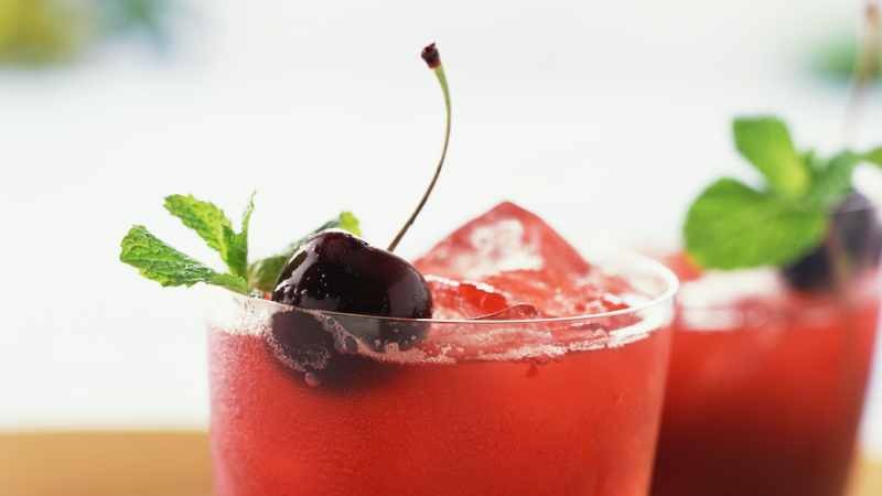 So, We Found a Drink That Helps You Burn Fat and We're Like YAS
