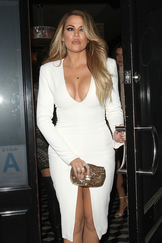 braless Boobs Khloe Kardashian naked photo 2017