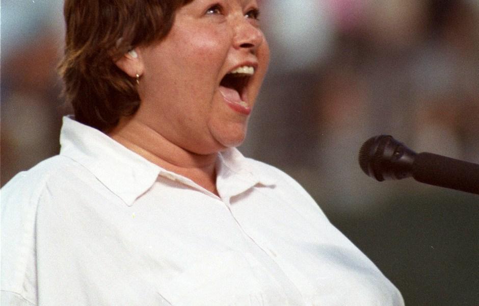 roseanne-barr-national-anthem