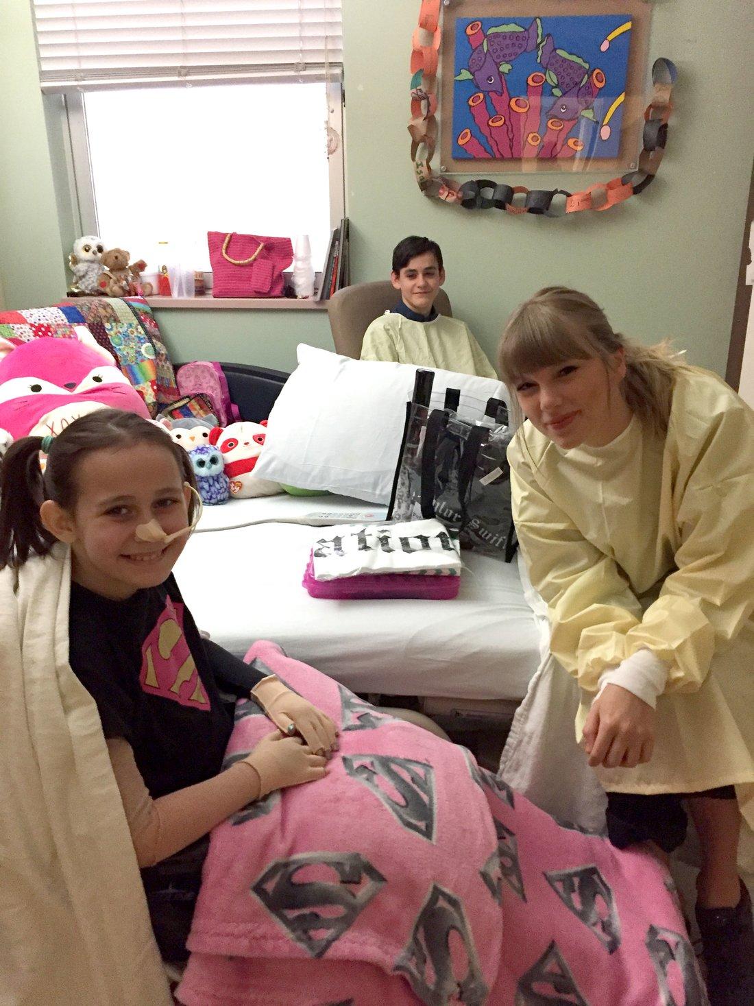 taylor swift visits hospital