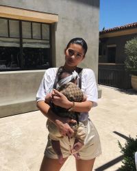 kylie-jenner-gucci-baby-carrier